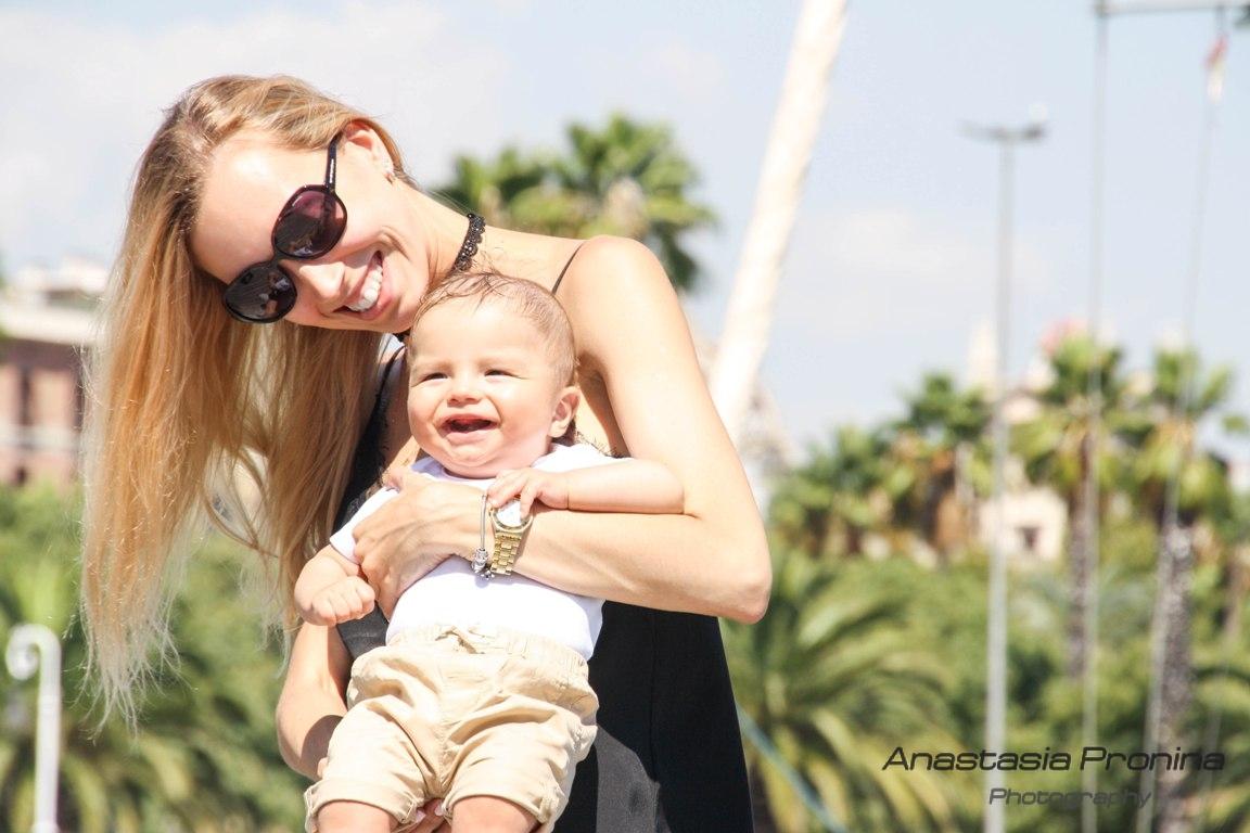 Мама и малыш. Фотосессия в Барселоне